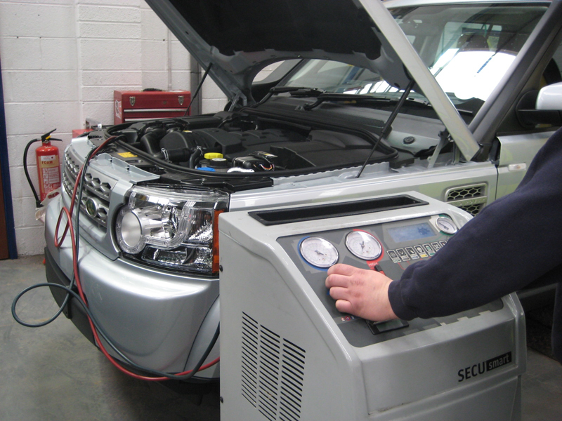 Maintenance_auto_air_conditioners
